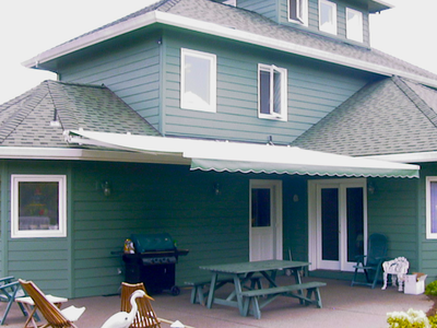 RETRACTABLE RESIDENTIAL AWNINGS - Waagmeester Awnings ...